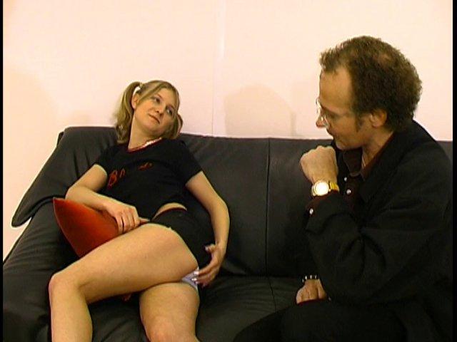 Un bonporno avec une étudiante salope qui se fait baiser par son prof