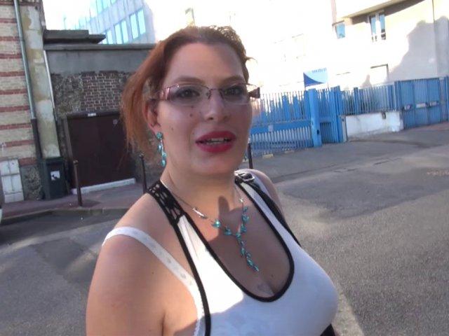 Vidéo porno française avec une amatrice aux gros seins
