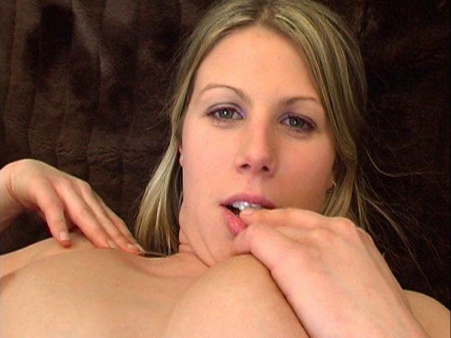 Le rêve d'Anita, devenir une véritable star du porno français.