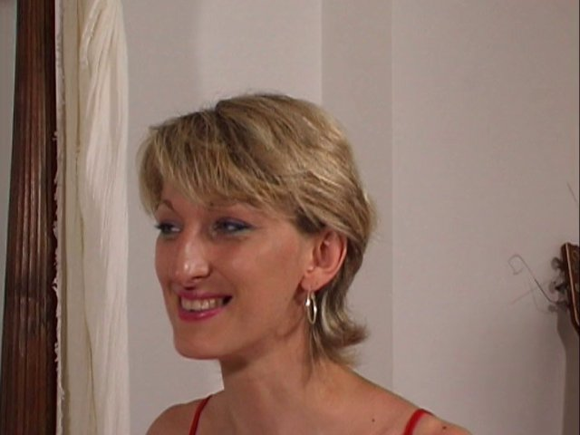 Porno français avec un milf blonde qui a envie de cul