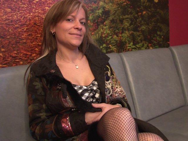 Vidéo porno française hard pour cette cochonne de 40 ans